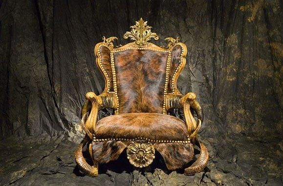 Extravagant brown general armchair with animal fur