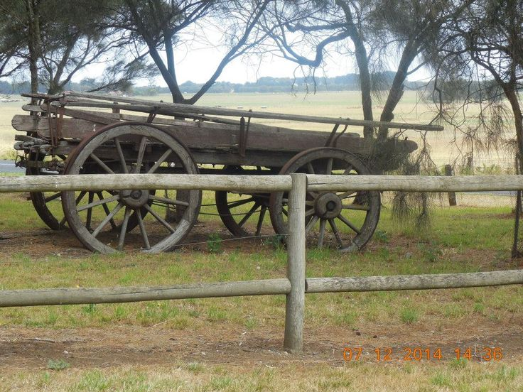 It is nice to see old relics from a bygone era. Seen on a farm near Mount Schank, about halfway between Mount Gambier and Port MacDonnell