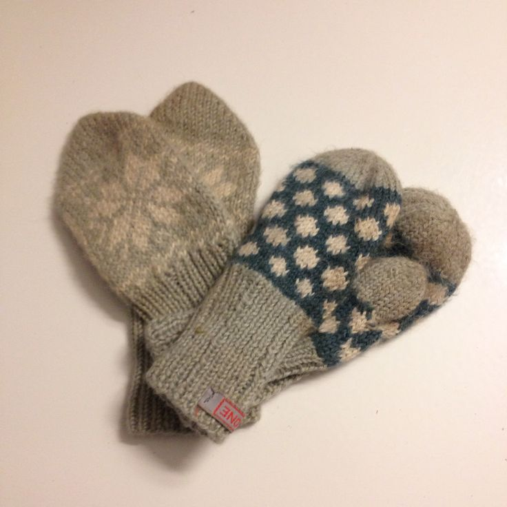 Handknitted mittens in alpakka and silk