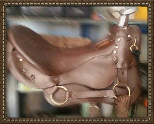 Silla para montar a caballo de color caf talabarter a for Sillas para vaqueria