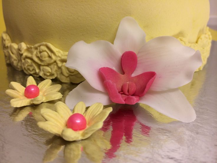 Orchid flower marzipan