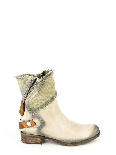 STIVALETTI CAROLINA Manas Shoes  Enjoy the collection on www.manas.com  #Manas