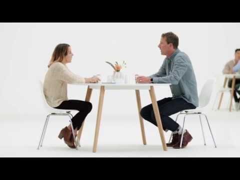 Video: Neues Live Listen-Feature & Made for iPhone-Hörgeräte-Angebot erweitert - https://apfeleimer.de/2016/11/video-neues-live-listen-feature-made-for-iphone-hoergeraete-angebot-erweitert - Apple hat gestern einen neuen Werbeclip zum Thema Made for iPhone-Hörgeräte-Support und das neue Live Listen-Feature veröffentlicht. Bereits seit iOS 7 unterstützt das iPhone 4s spezielle Hörgeräte und streamt sozusagen gesprochene Kommunikation direkt in den Helfer im Ohr. Mi