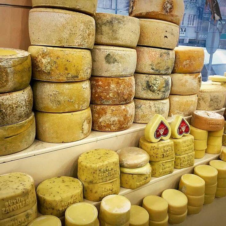 Kars Kaşar Peynirleri