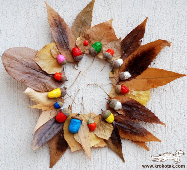 painted acorns + leaves... What a fun craft!!!!