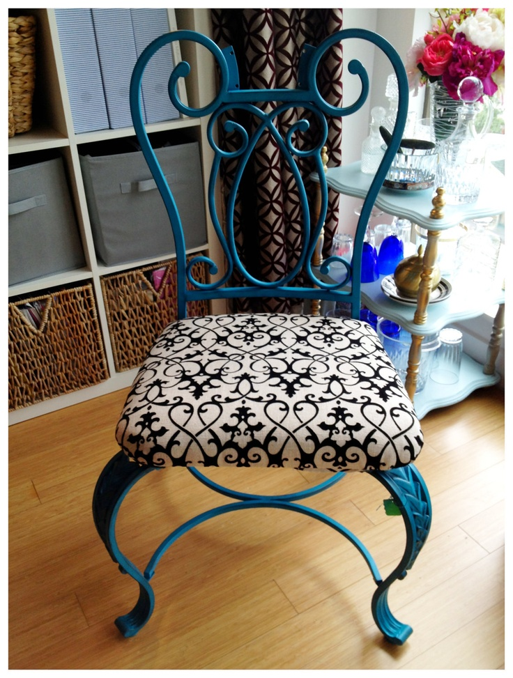 Upcycling wrought iron chairs for a modern interior presence