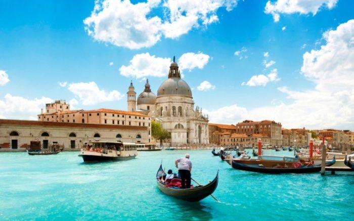 Гранд-канал в Венеции.