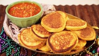 Carla Hall and Clinton Kelly's Stewed Black Eyed Peas and Hoe Cakes - (Pinning this for the hoe cakes)