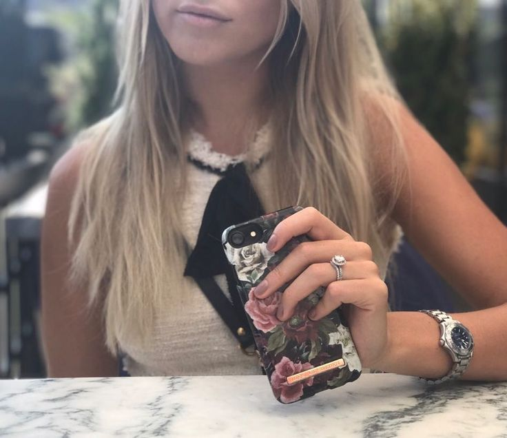 Antique Roses by lovely @sannealexandra - Fashion case phone cases iphone inspiration iDeal of Sweden #roses #antique #fashion #phonecase #gold #details #accessories