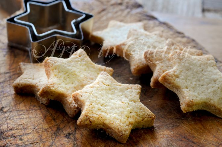 Biscotti+allo+zenzero+cannella+e+arancia+ricetta+veloce