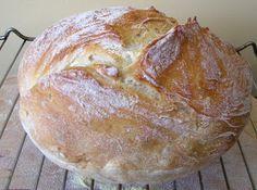 ekmek   tencere ekmeği veya yoğurmasız ekmek   Bu ekmeğin özelliği tadının ekşi…