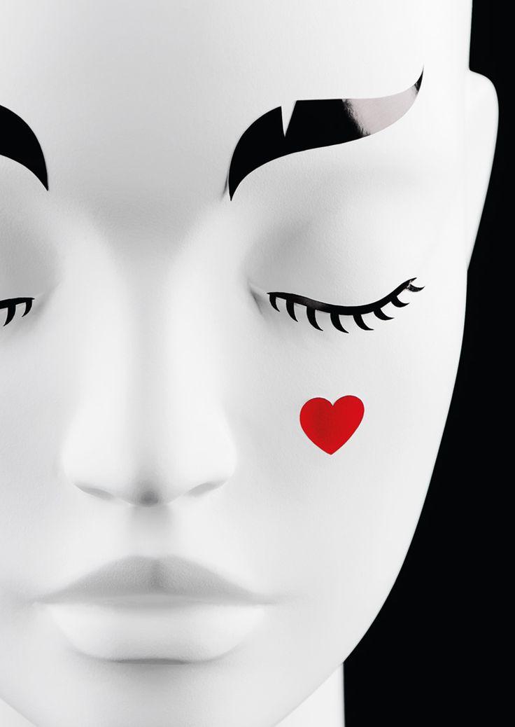 Funny face stickers #fashion #shopwindow #visualmerchandising #windowdisplay #vm #retail #stickers