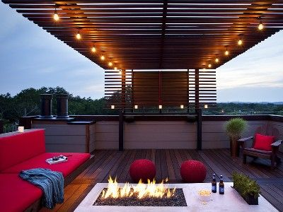 HUGE Roof Top Patio with 70 flat screen and home theatre sound.