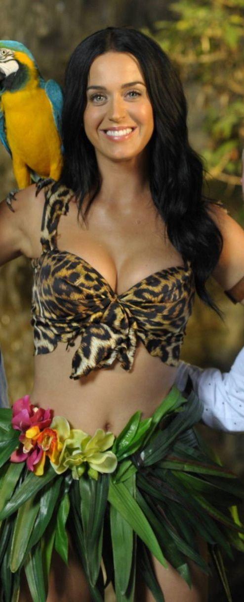 Katy Perry en su vídeo Roar. Es una de mis canciones favoritas de ella, y el vídeo también es de mis favoritos.