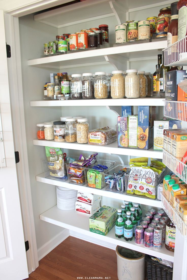 http://www.cleanmama.net/2016/10/organizing-a-simple-pantry.html