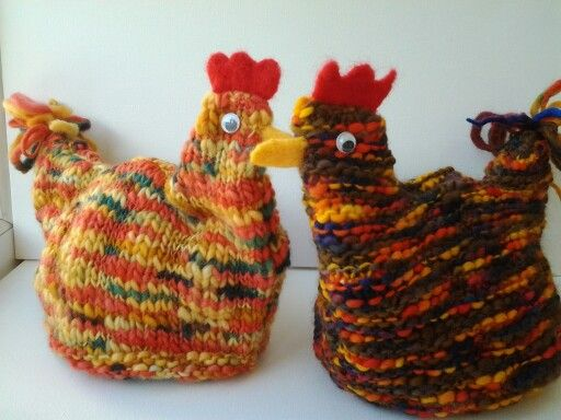Woollen hen tea cosies. teacozy love Pinterest Hens, Tea cosies and Teas