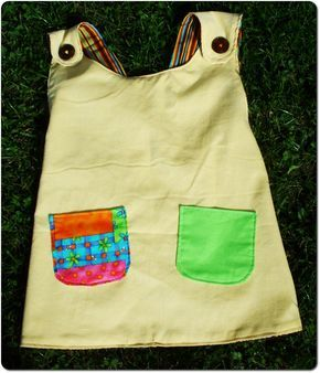 I finally managed to finish the Pippi Longstocking smock I was working on. My daughter likes it ... and I am quite happy about how it turned...