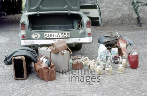 Der Kofferraum Fremmer/Timeline Images #1959 #Retro #Gepäck #Urlaub #Reise #Autofahrt #Kroatien