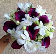Buchet de mireasa din mini rose, lisianthus, cale si orhidee.