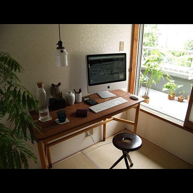 男性で、1Kのベランダ/PCデスク周り/机/Macについてのインテリア実例を紹介。「和室とベランダ」(この写真は 2013-08-26 13:44:40 に共有されました)
