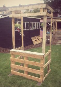 The evolution of pallet carnival stalls: marks I—III | Backyard DIY