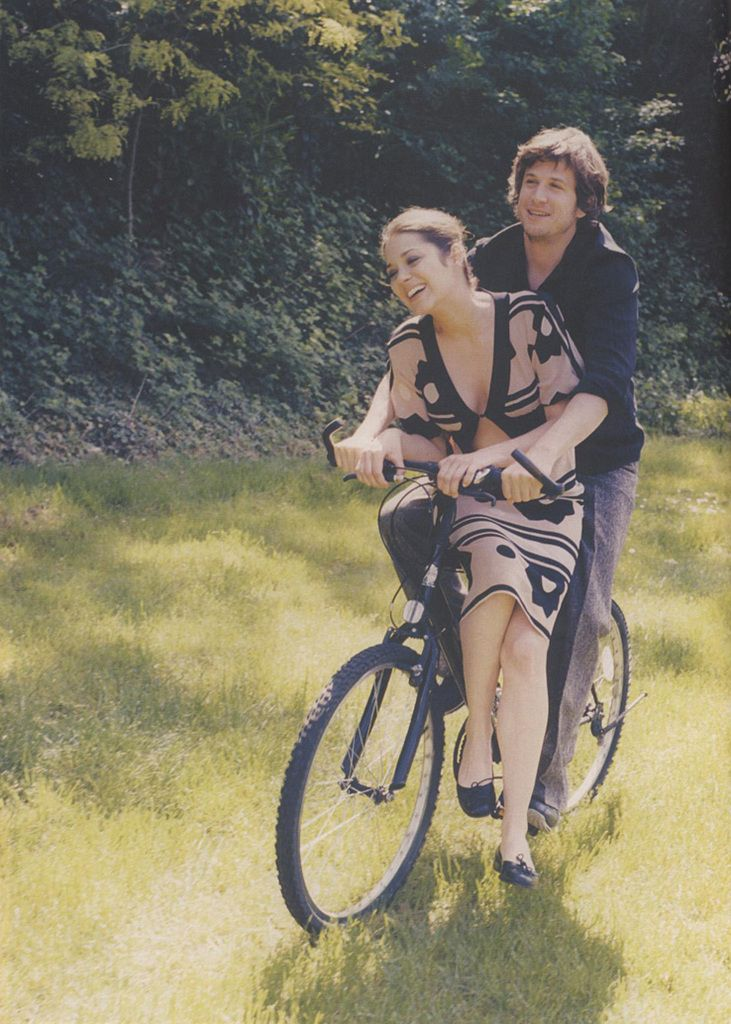 Marion Cotillard & Guillaume Canet: Marioncotillard, Bike Riding, Celebrity Crushes, Celebrity Couple, All-Terrain Bike, Couple Photography, Marion Cotillard, Guillaume Canet, Cotillard Guillaume