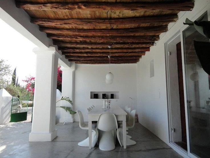 http://foto.i-rent.net/rental/spain/ibiza/islas-baleares/santa-gertrudis/villas/villa-909_44106/200x150/909_08.jpg