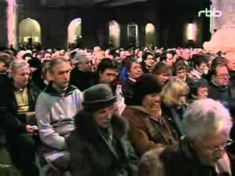 Der Dresdnder Kreuzchor singt eines der schönsten Weihnachtslieder - Stille Nach, heilige Nacht!