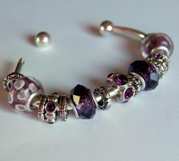 5 Minute Pandora Knockoff Bracelet | How stunning is this Knockoff Pandora bracelet? It is perfect for you to make for that special someone!