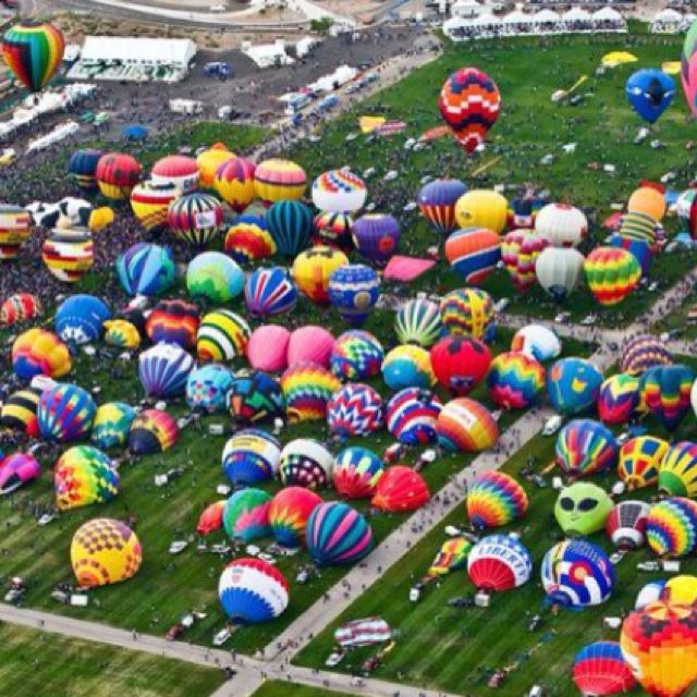 Albuquerque Balloon Fiesta....wow! :)