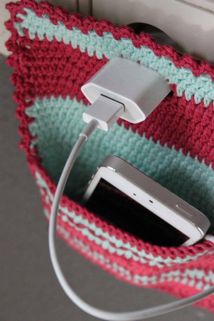 Handig om je telefoon in op te laden. Uit Inhaken op vakantie