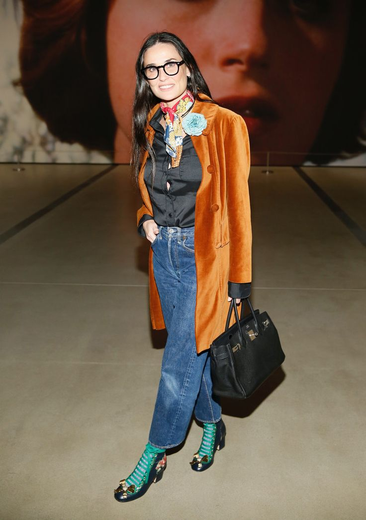 Оставить нельзя выбросить: стоит ли женщинам после 50 носить джинсы? : Эль Макферсон / фото 2