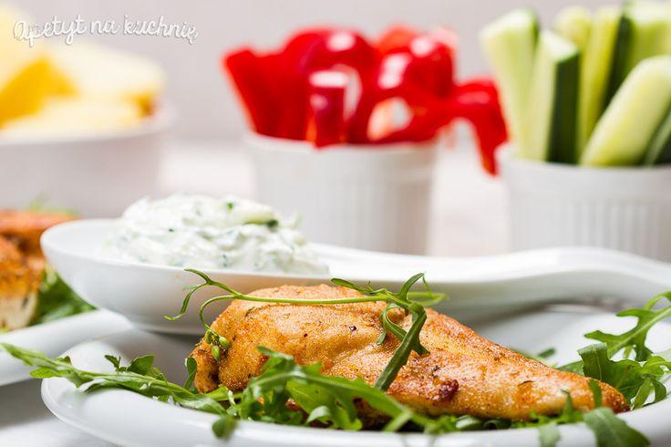 Kurczak w ostrej przyprawie cajun z sosem tzatziki