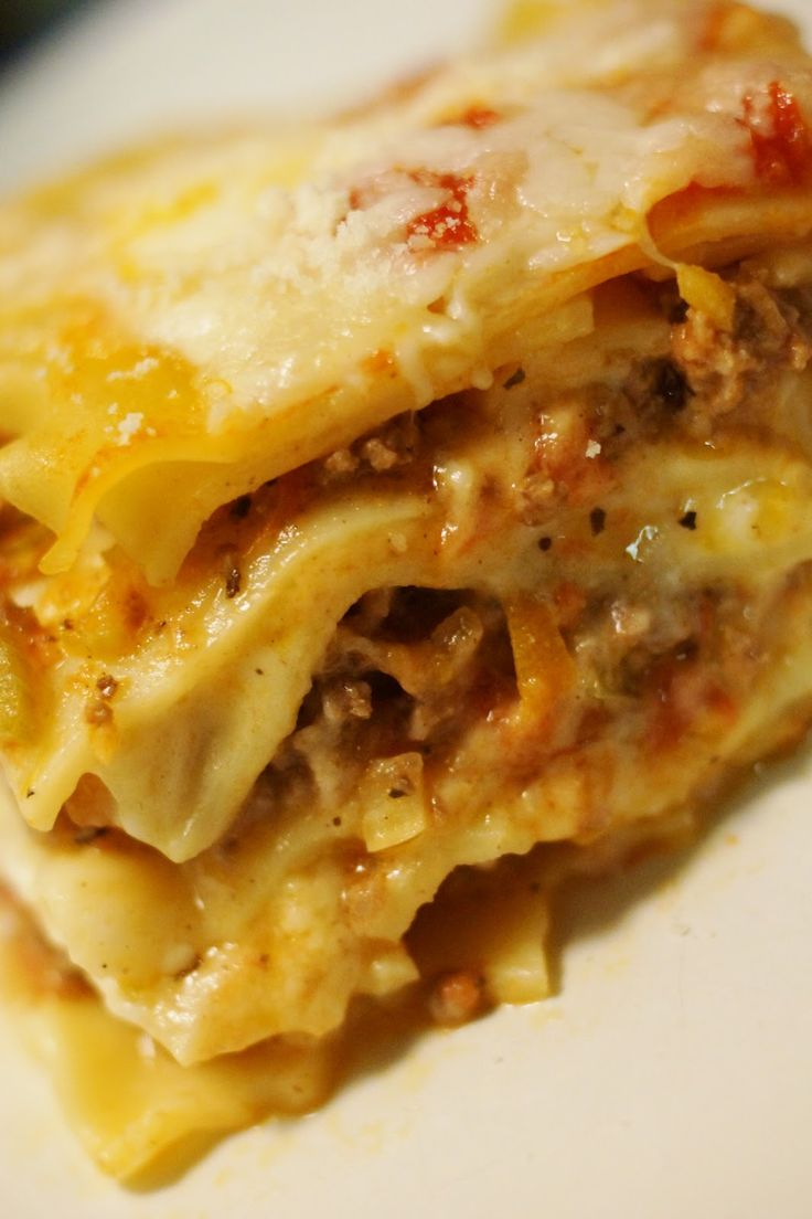 How about lasagna from Disney World for dinner tonight? Recipe for Lasagna al Forno from EPCOT!