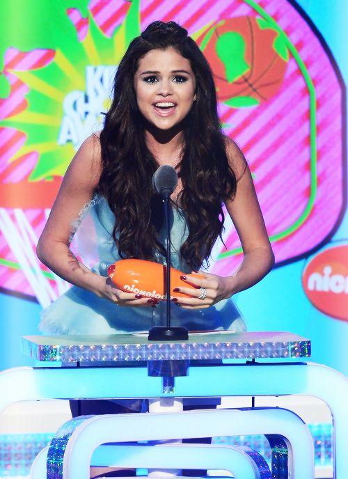 Selena Gomez 8th time win choice actress