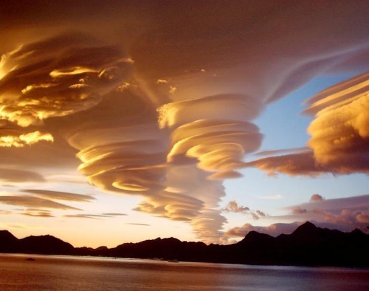 Clouds above S. Georgia Island