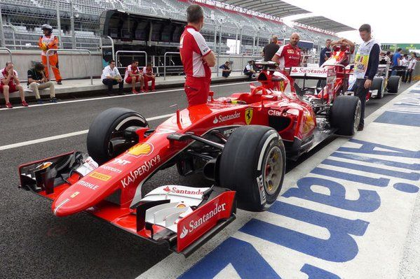 Tutti a tifare Ferrari a Città del Messico.