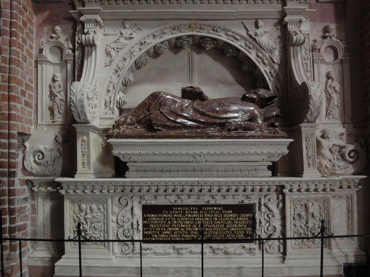 Nagrobek bp. Benedykta Izdbieńskiego, Jan Michałowicz z Urzędowa, po 1553 (Poznań)