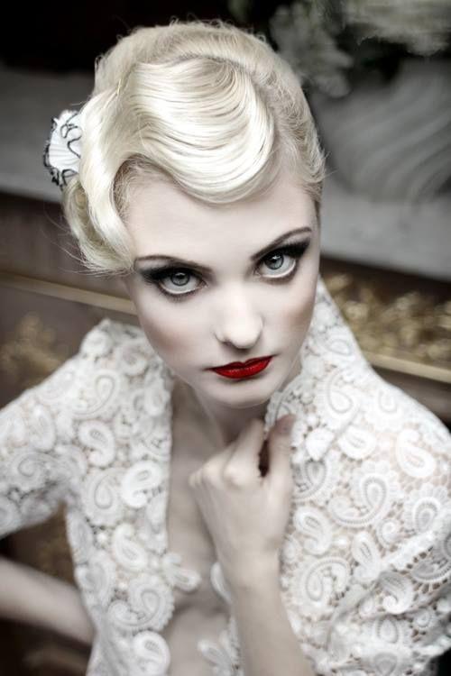 Flapper makeup & hair