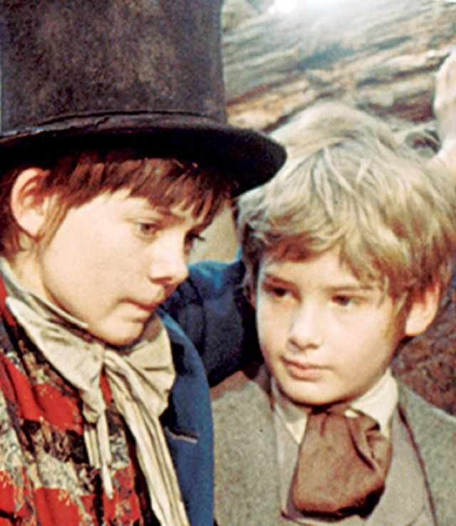 Jack Wild as the Artful Dodger, Mark Lester as Oliver in Oliver! [1968]