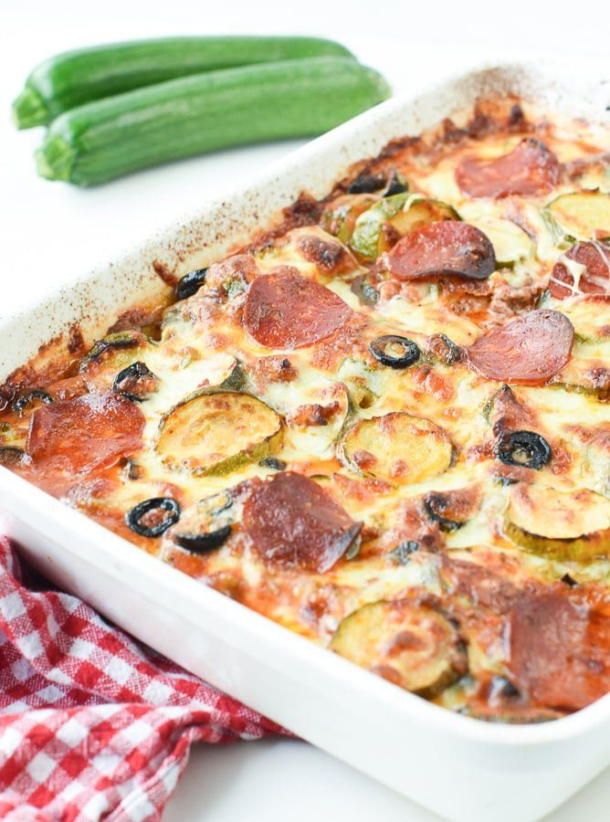 Keto Pizza Casserole With Ground Beef Ketocasserole Pizzacasserole Zucchini Groundbeef Ketopiz In 2020 Ground Beef Casserole Pizza Casserole Sunday Dinner Recipes