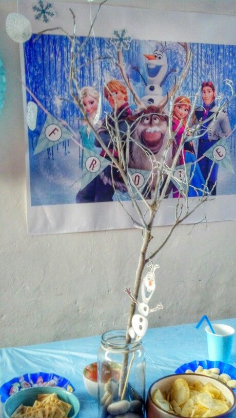 Tree decoration frozen party