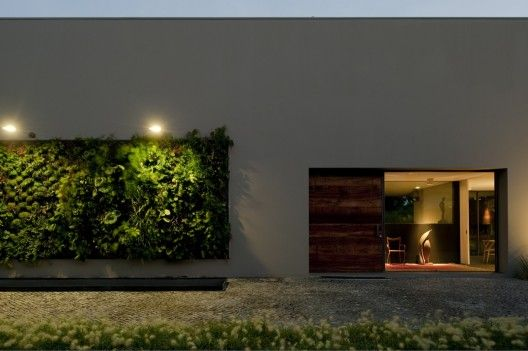 House In Estoril / Frederico Valsassina ArquitectosArchitects, Green Wall, Vertical Gardens, Frederico Valsassina, Estoril, House, Architecture, Valsassina Arquitectos, Plants Wall