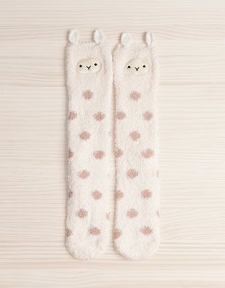 Fuzzy Llama stockings? Ok, I need to get me a pair of these!!!!  ^v^