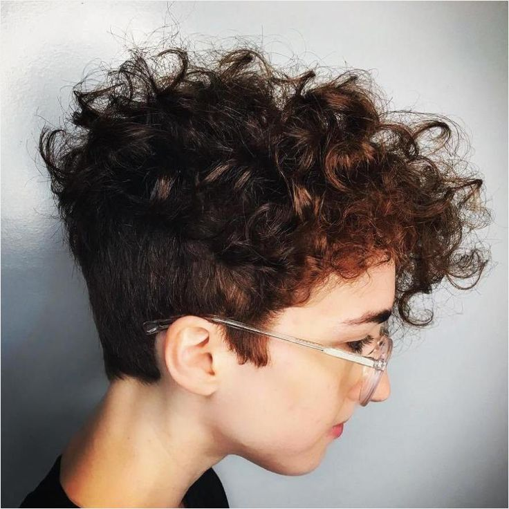 70 Most Gorgeous Mohawk Hairstyles Of Nowadays In 2020 2021 Haircut Short In Back Long In Front C Curly Pixie Haircuts Short Wavy Haircuts Short Curly Haircuts