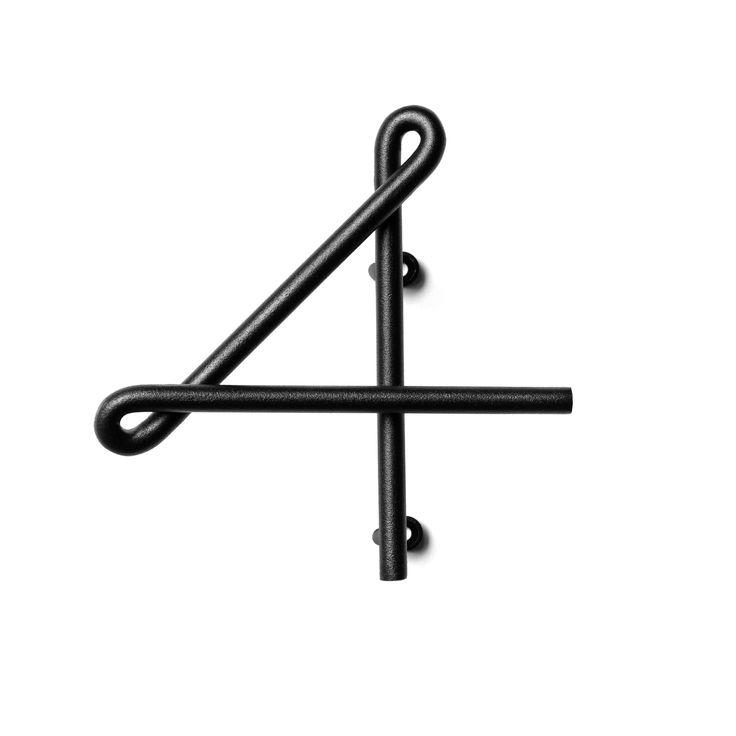Wire Number är ett numerologiskt system för inom- och utomhusentréer designade av Erik Olsson och Kyuhyung Cho för Naknak. Inspirationen kommer från de vackra fasadsiffrorna på gamla hus och lysande neonskyltar.   Alla siffror är unika tack vare en speciell tillverkningsmetod där maskinarbete kombineras med hantverk. Skickliga hantverkare böjer stålet för hand till de specifika kurvorna för varje siffra.   Erik Olofsson har en bakgrund hos modehuset Acne och har idag en designstudio i…