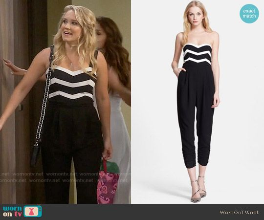 Gabi's black and white chevron striped jumpsuit on Young and Hungry. Outfit Details: https://wornontv.net/58064/ #YoungandHungry Buy it here: http://wornon.tv/36416