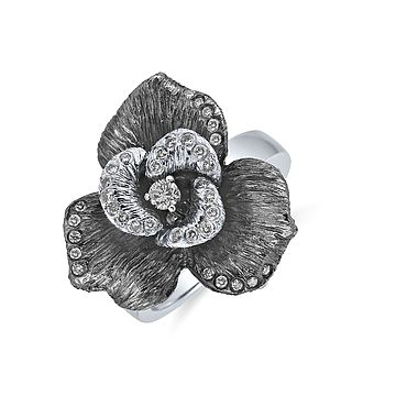 Very elegant ALO diamonds Mystic Magnolia ring