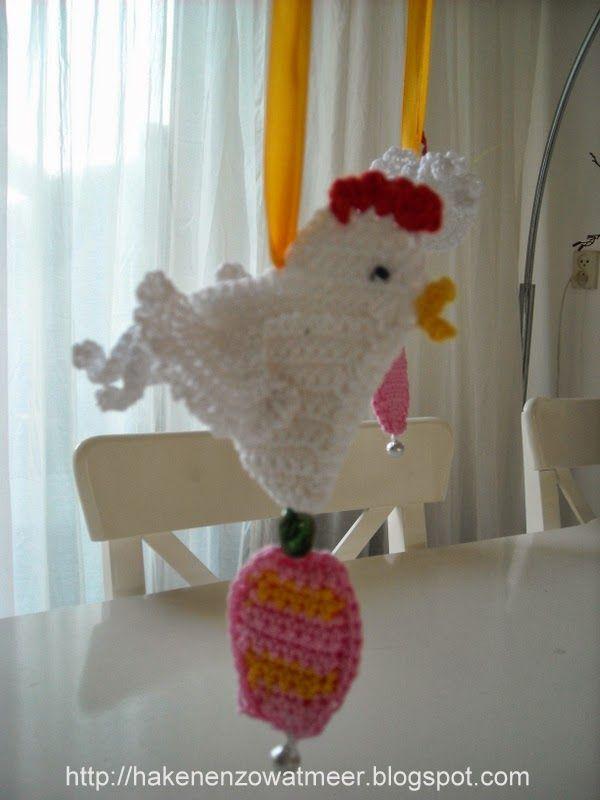 Kooppatronen: Haak/koop patroon paaskippen http://crochetrising.com/how-to-make-some-pretty-amazing-crochet-chickens/