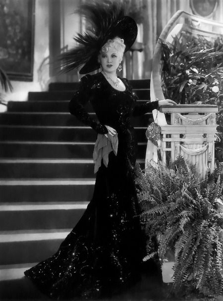 Mae West. Contrary to popular belief she never smoked nor drank alcohol in her life.